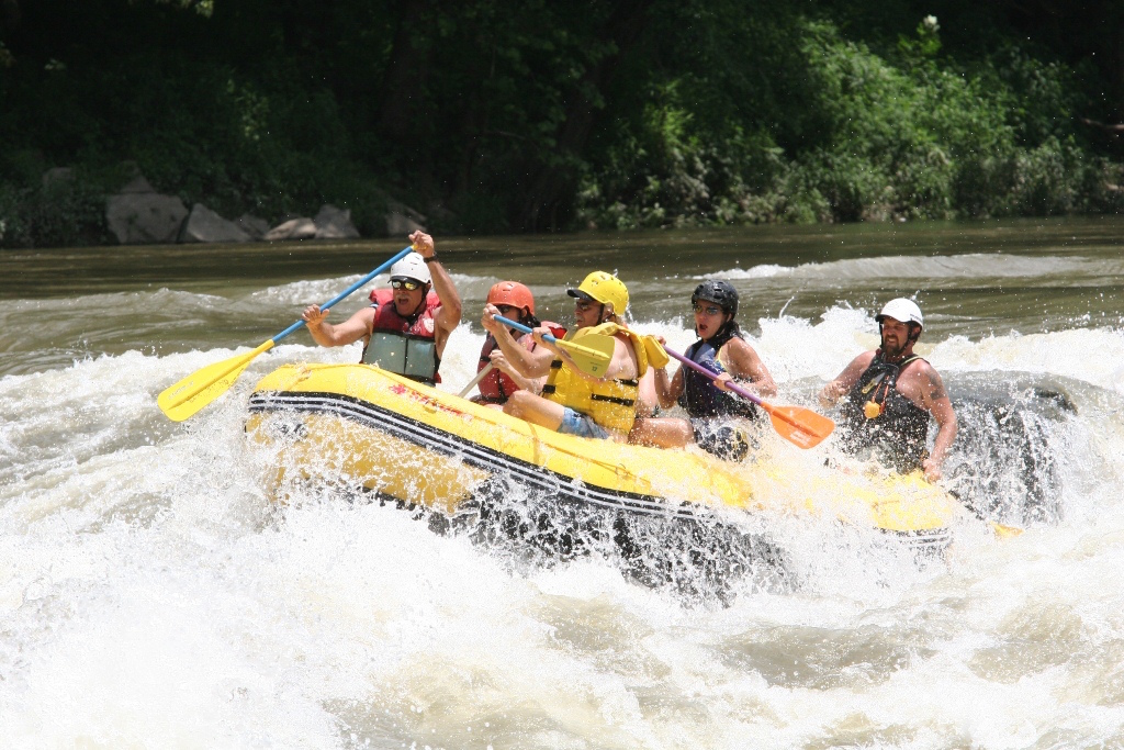 2012 13' Saturn Whitewater Raft