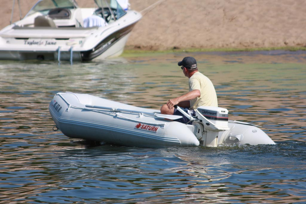11' Saturn Inflatable Boat SD330 - With 9.9 HP Motor