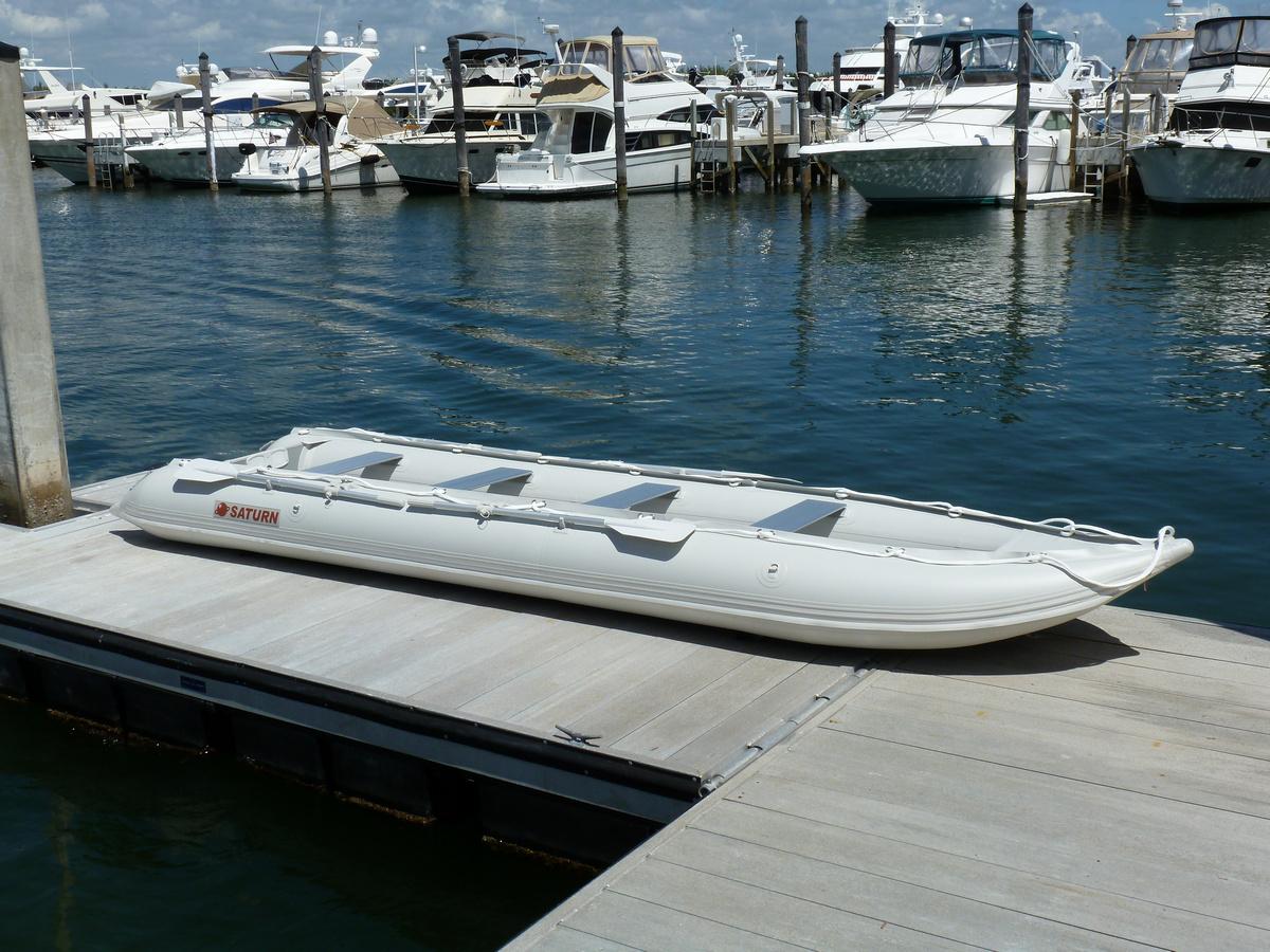 18' Saturn KaBoat - Light Grey