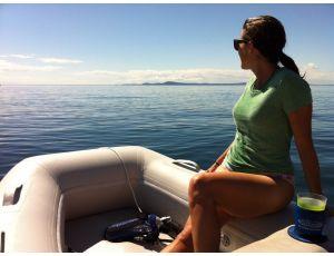 A happy customer cruising in the Azzurro Mare AM290