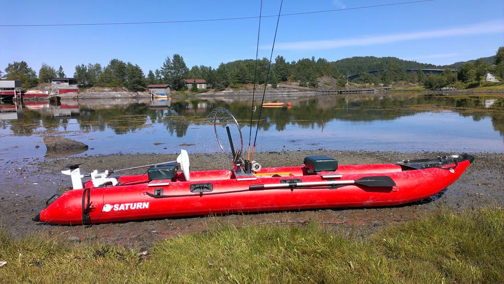 Customer Photo - Older Version 15' Red Saturn KaBoat SK470
