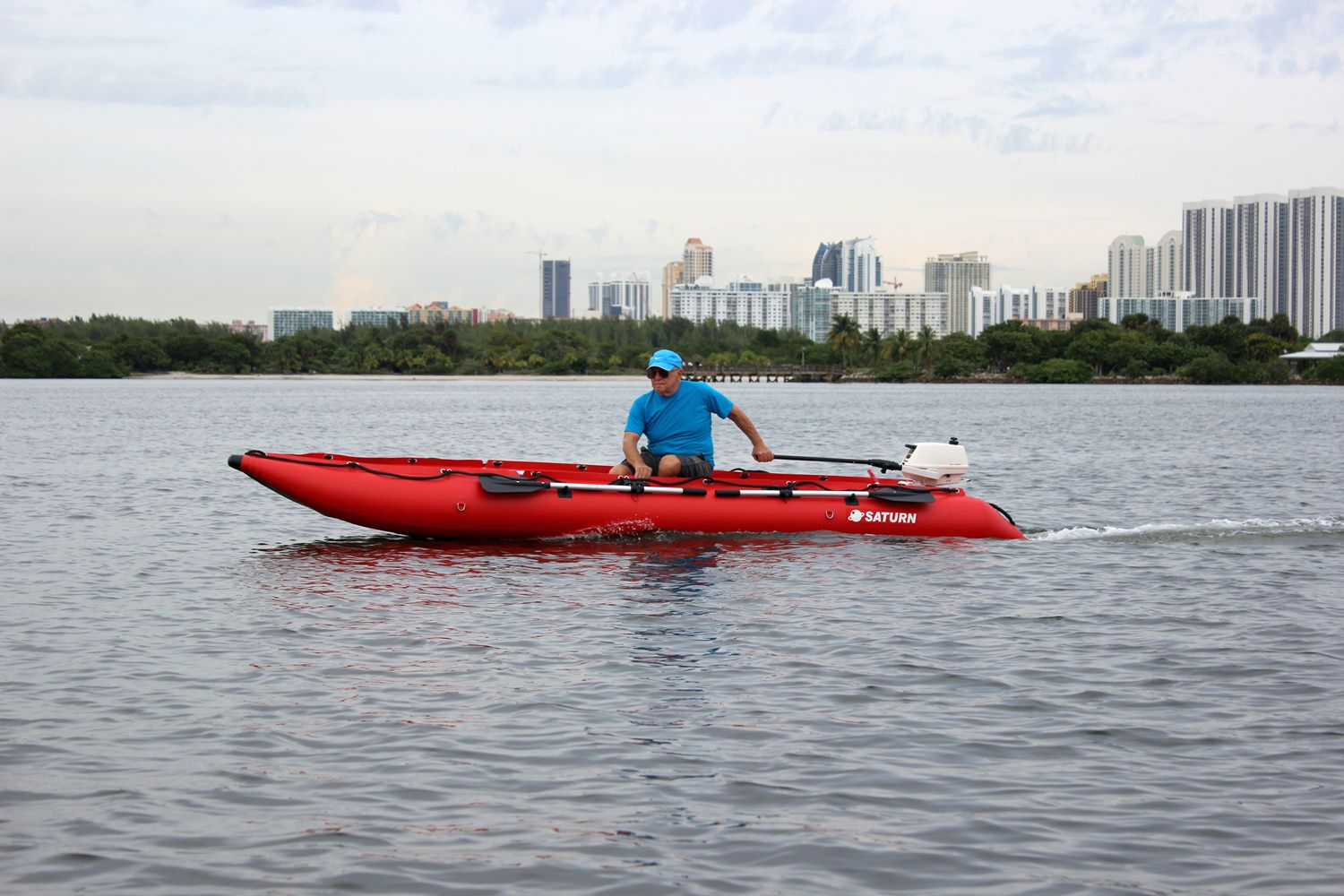 Rowing the New 15' Saturn KaBoat SK470 - Red