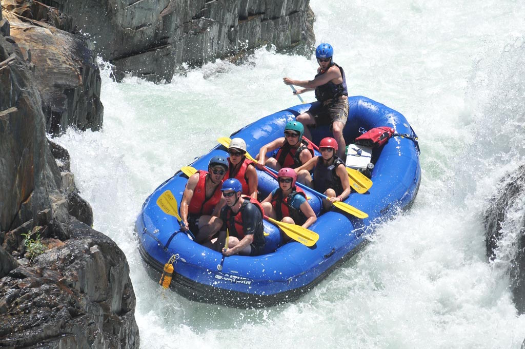 2012 15' Saturn Whitewater Raft - American Falls