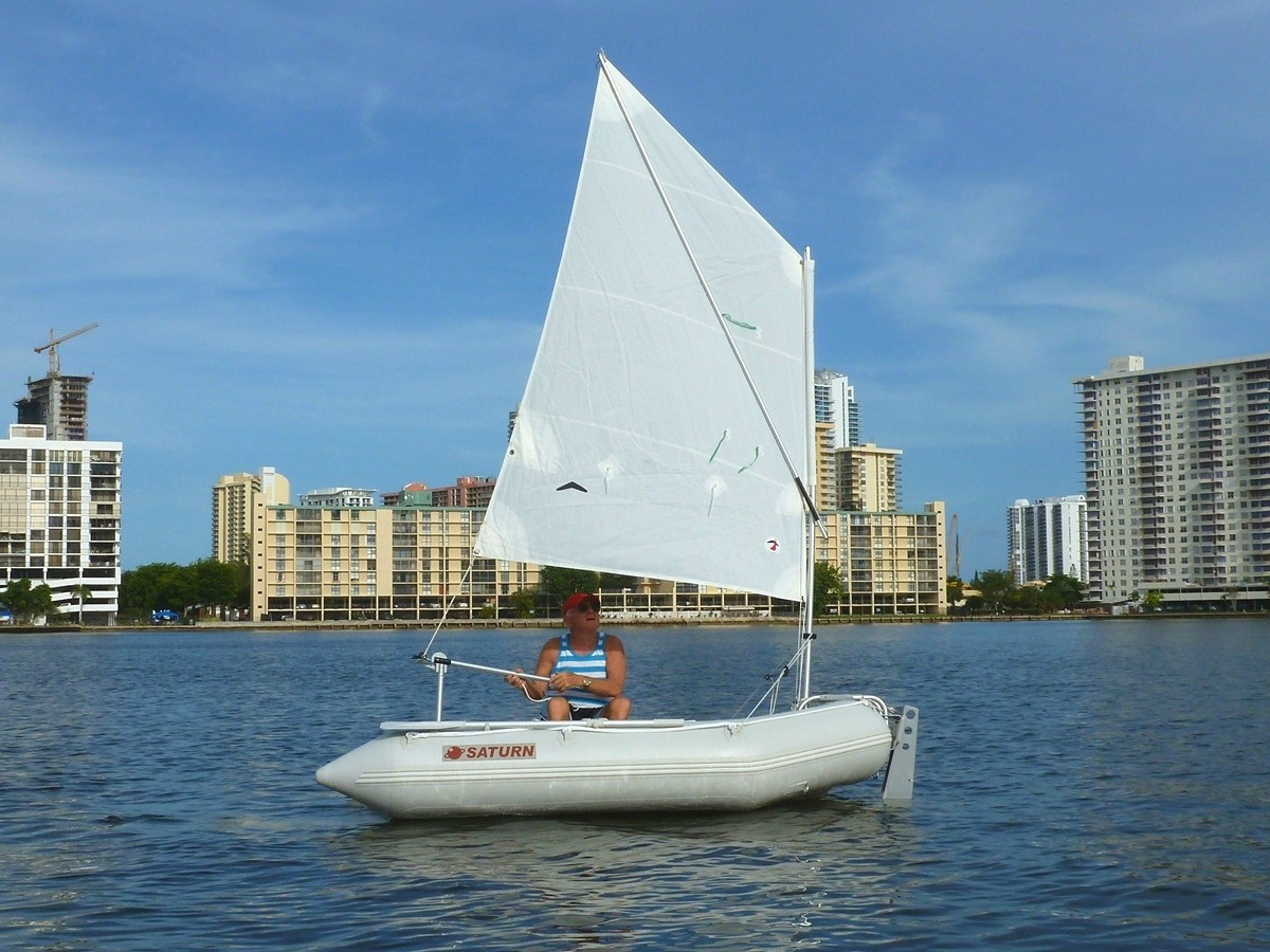 """8'6"""" Saturn Dinghy SD260 with Sailing Kit"""
