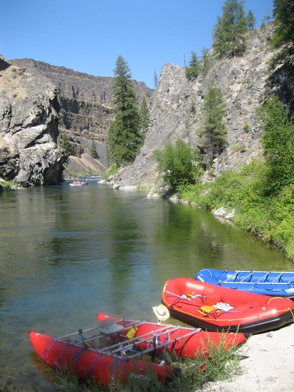 """15'6"""" CT457 Saturn Cataract Tubes with NRS Rowing Frame By Saturn Rafts - Canyon Camping"""