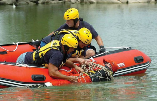 14' Saturn Dinghy - Rescue Operation Training