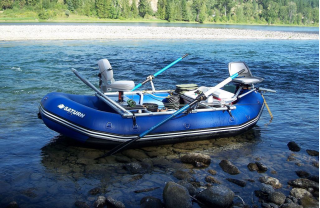 Customer Photo - 14' Saturn Whitewater Raft - NRS Fishing Frame Setup