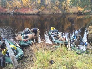 Customer Mark P - Alaska Moose Hunt with Older Version 12' Saturn Raft/Kayak Fleet (Light River Model)